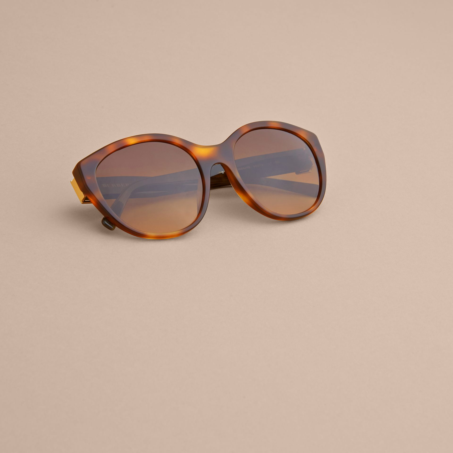 Buckle Detail Round Frame Sunglasses in Tortoise Green ...