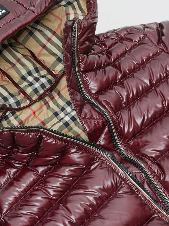 Icon Stripe Detail Down-filled Hooded Puffer Coat in Burgundy | Burberry - cell image 1