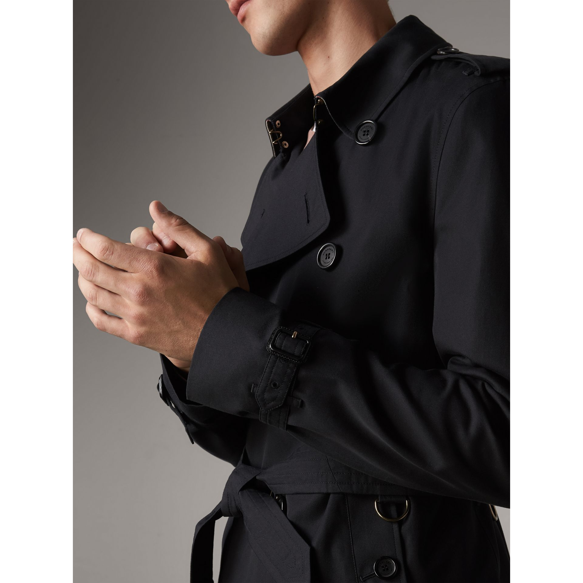 The Kensington – Short Trench Coat in Navy - Men | Burberry Australia - gallery image 5