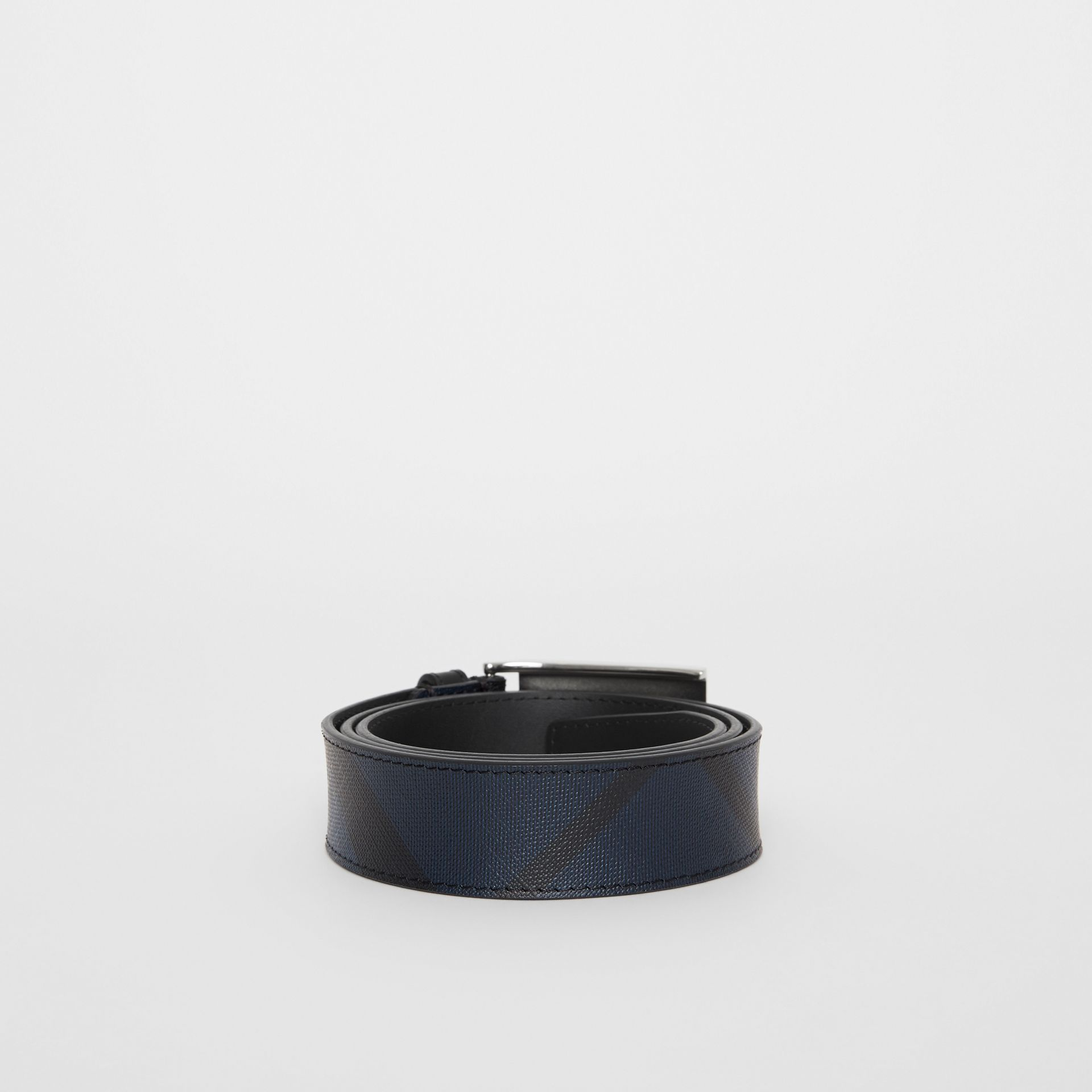 Plaque Buckle London Check and Leather Belt in Navy/black - Men | Burberry - gallery image 4