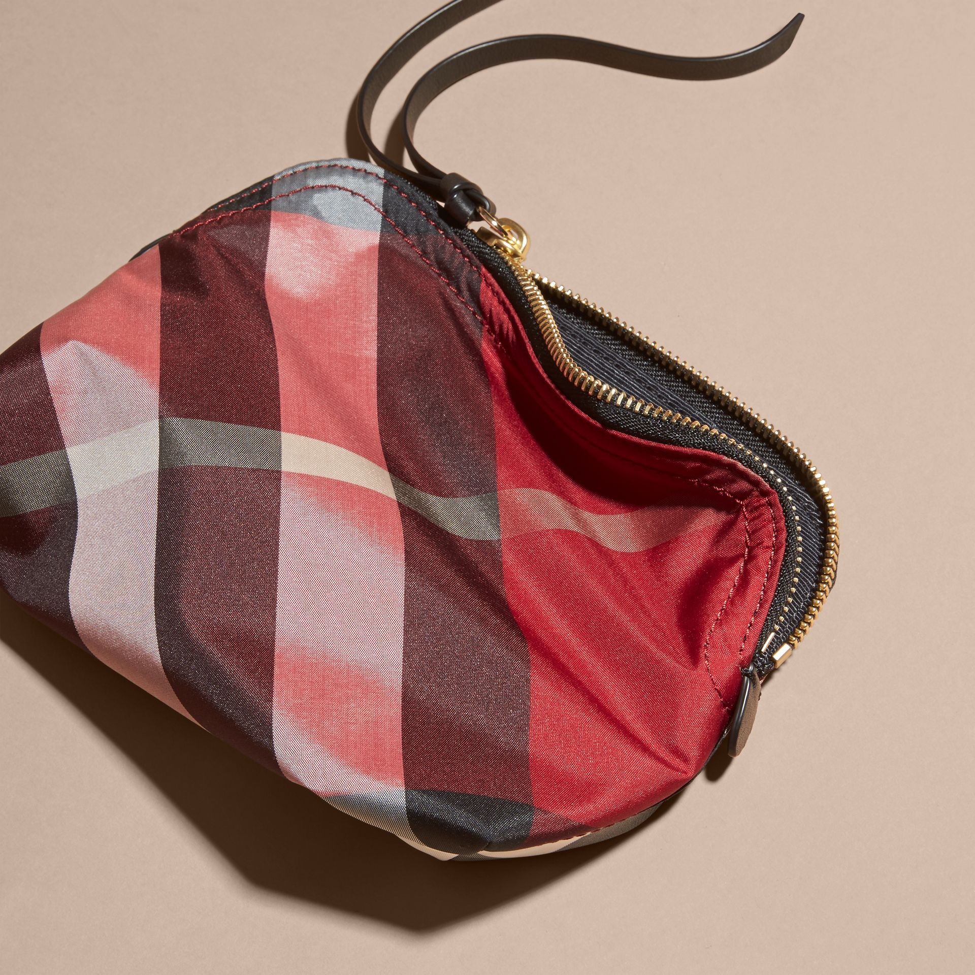 Medium Zip-top Check Technical Pouch Parade Red - gallery image 4