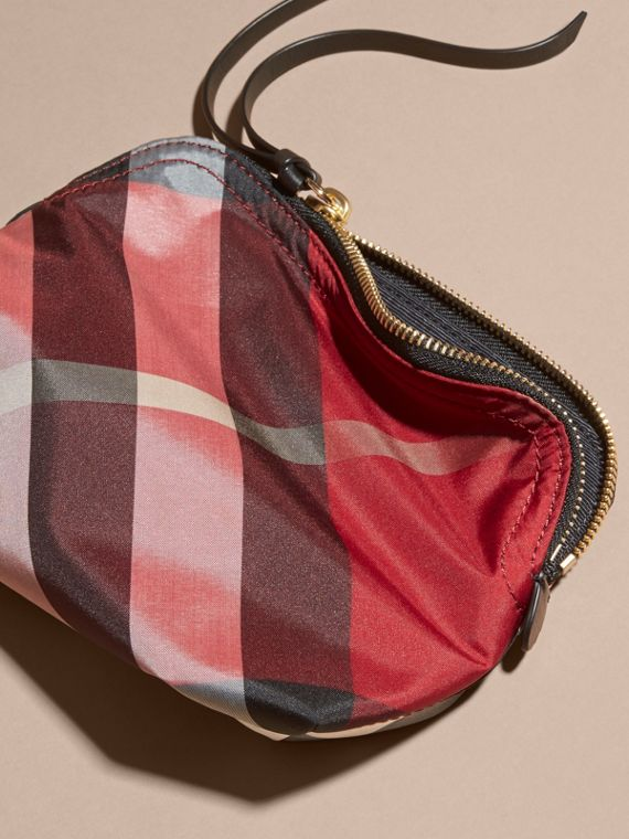 Medium Zip-top Check Technical Pouch Parade Red - cell image 3