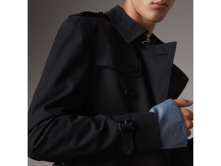 The Chelsea – Short Trench Coat in Navy - Men | Burberry - cell image 4