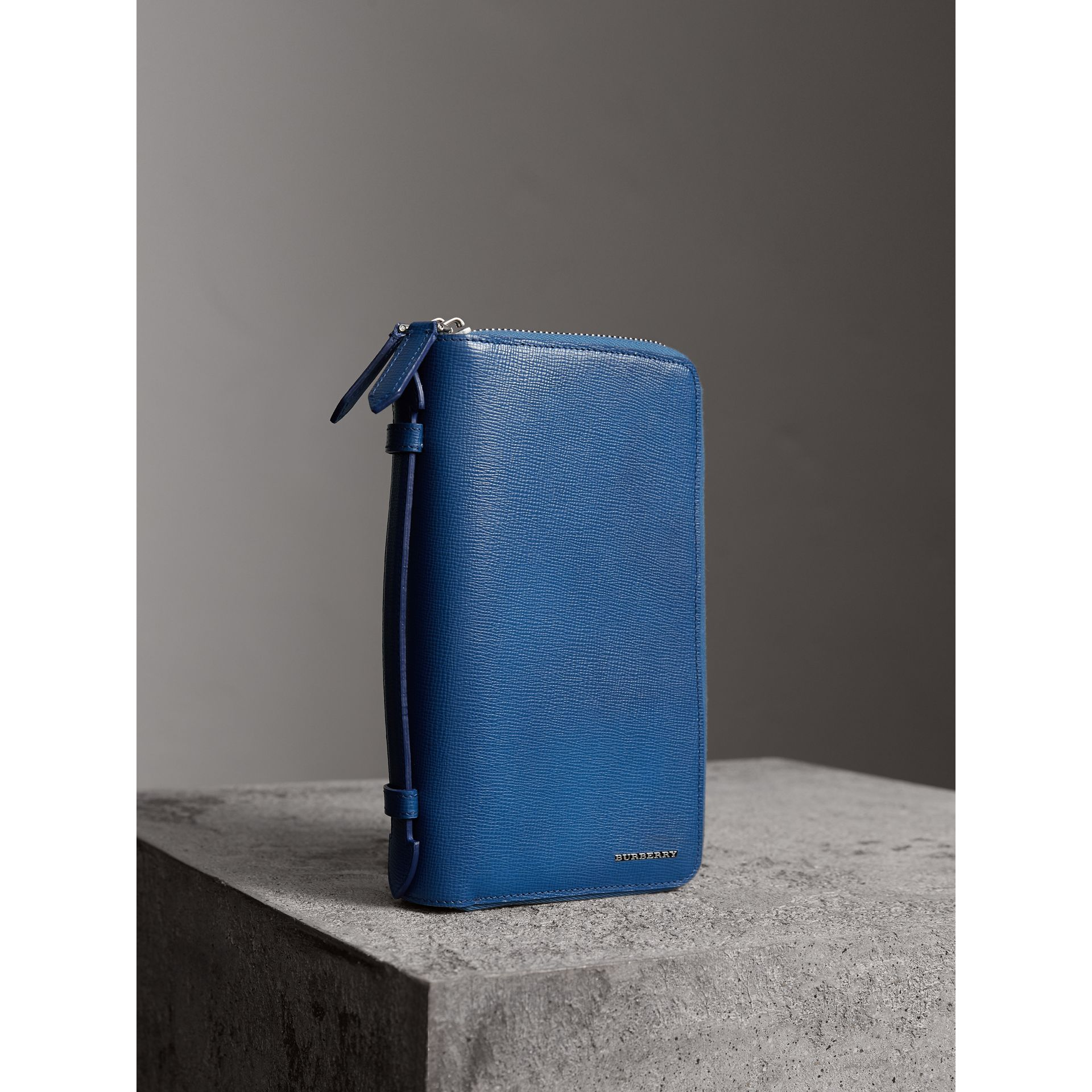London Leather Travel Wallet in Deep Blue | Burberry - gallery image 0