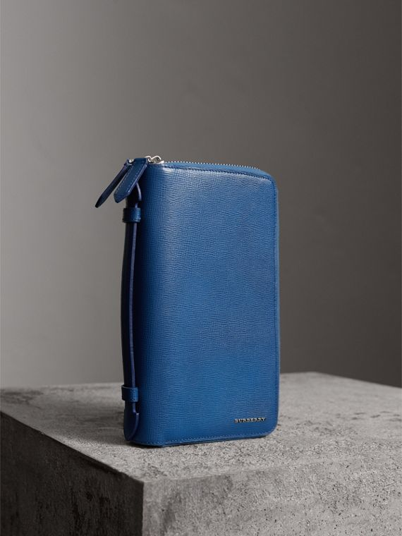 London Leather Travel Wallet in Deep Blue