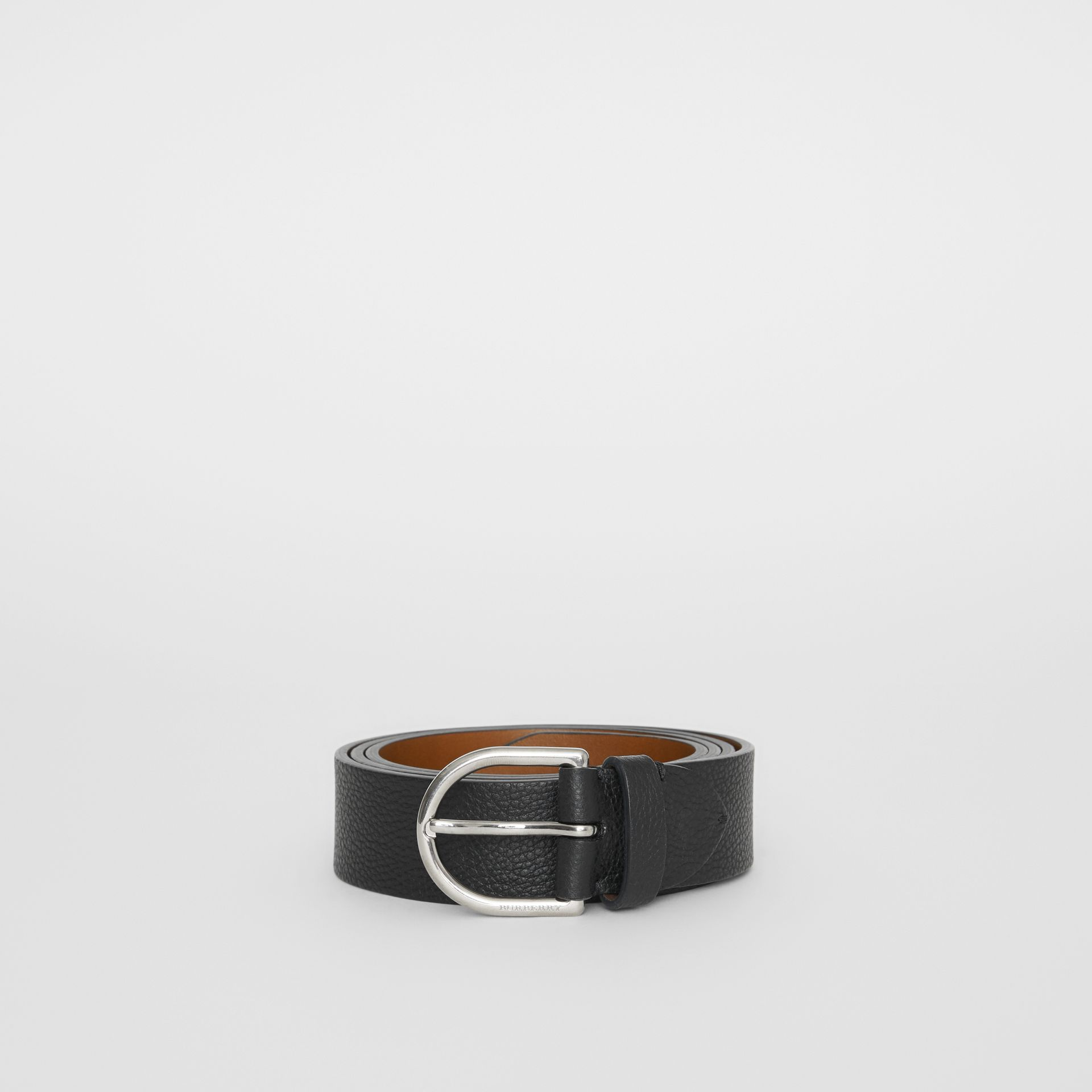 D-shaped Buckle Grainy Leather Belt in Black - Men | Burberry Singapore - gallery image 3