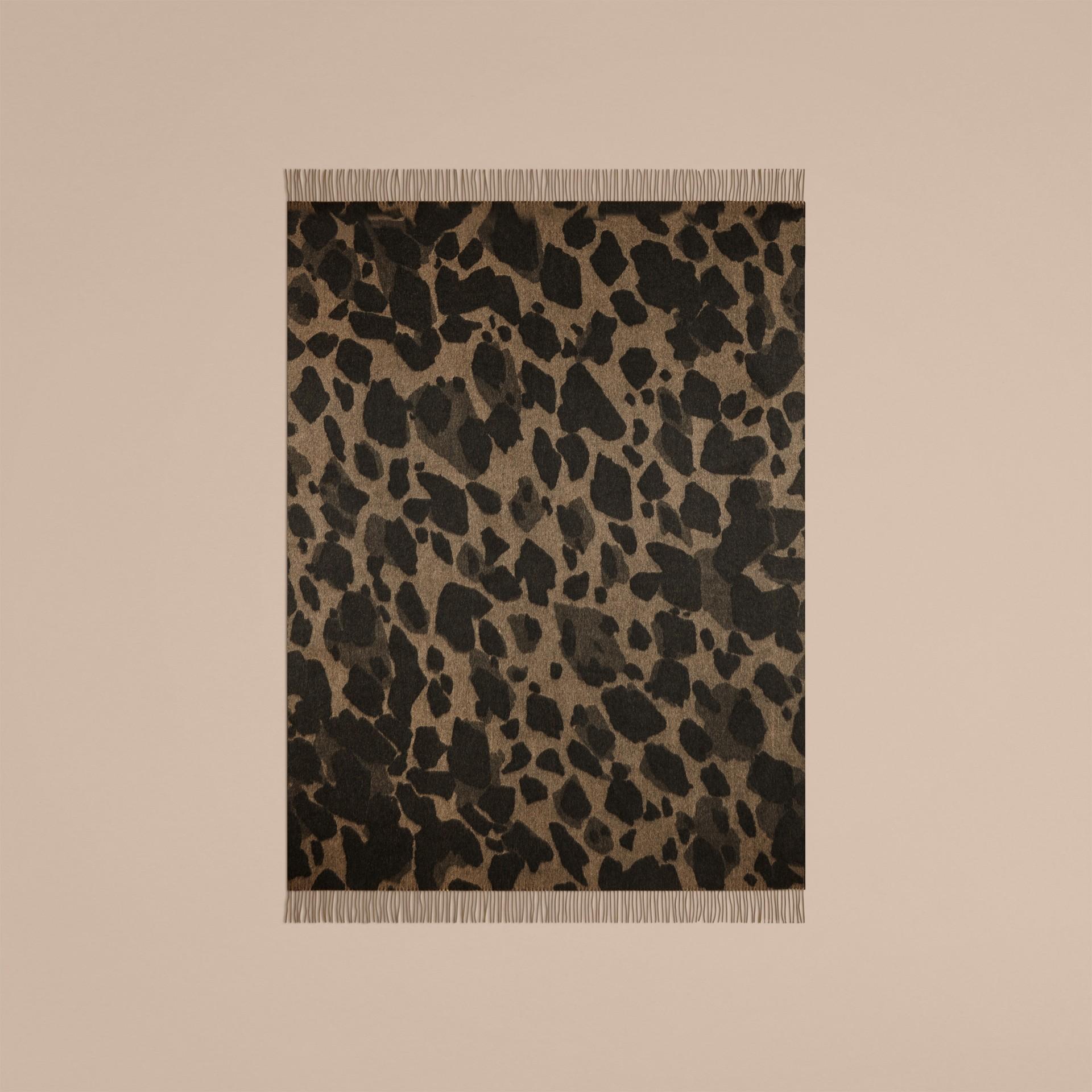 駝色印花 動物提花喀什米爾毛毯 駝色印花 - 圖庫照片 2