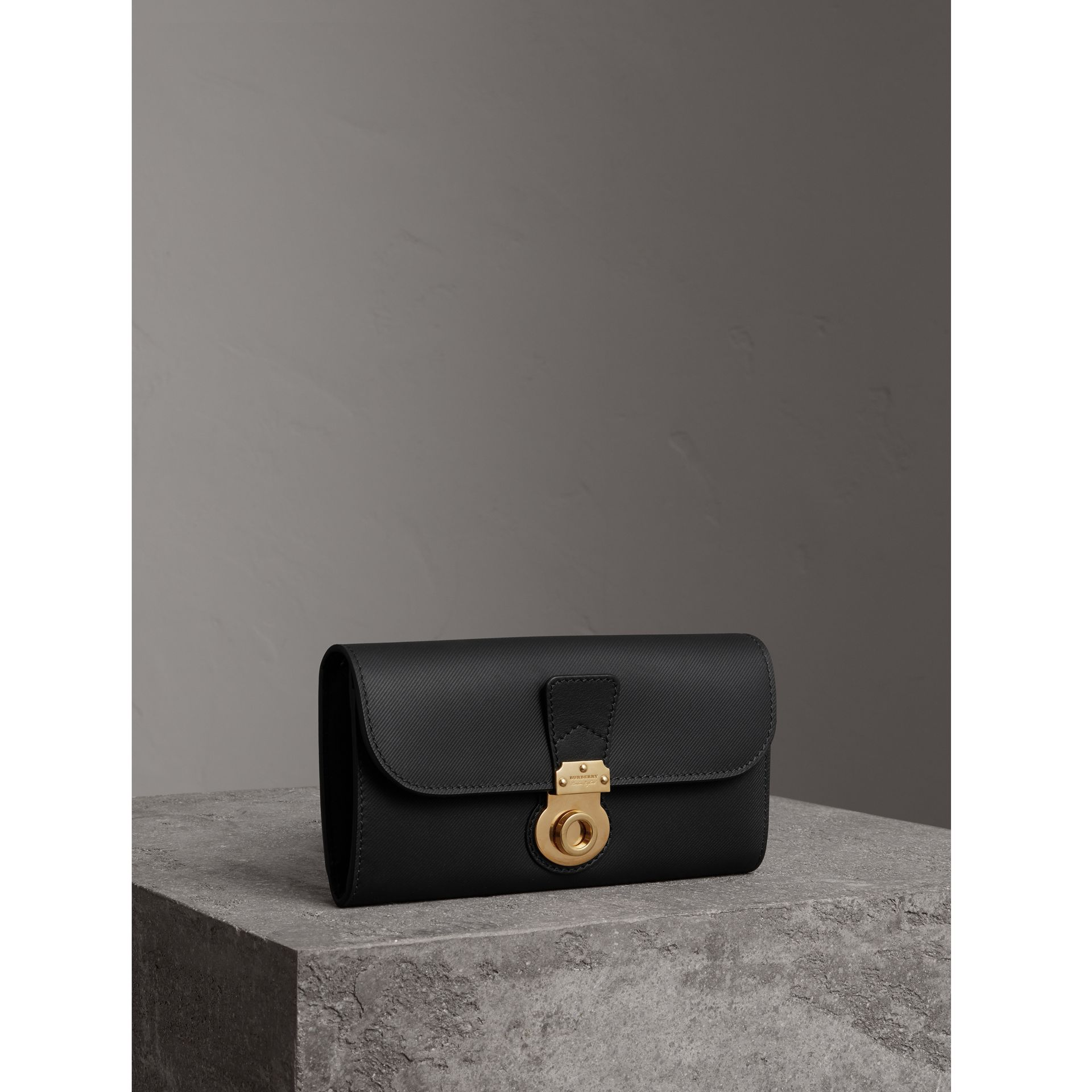 Trench Leather Continental Wallet in Black - Women | Burberry United States - gallery image 0