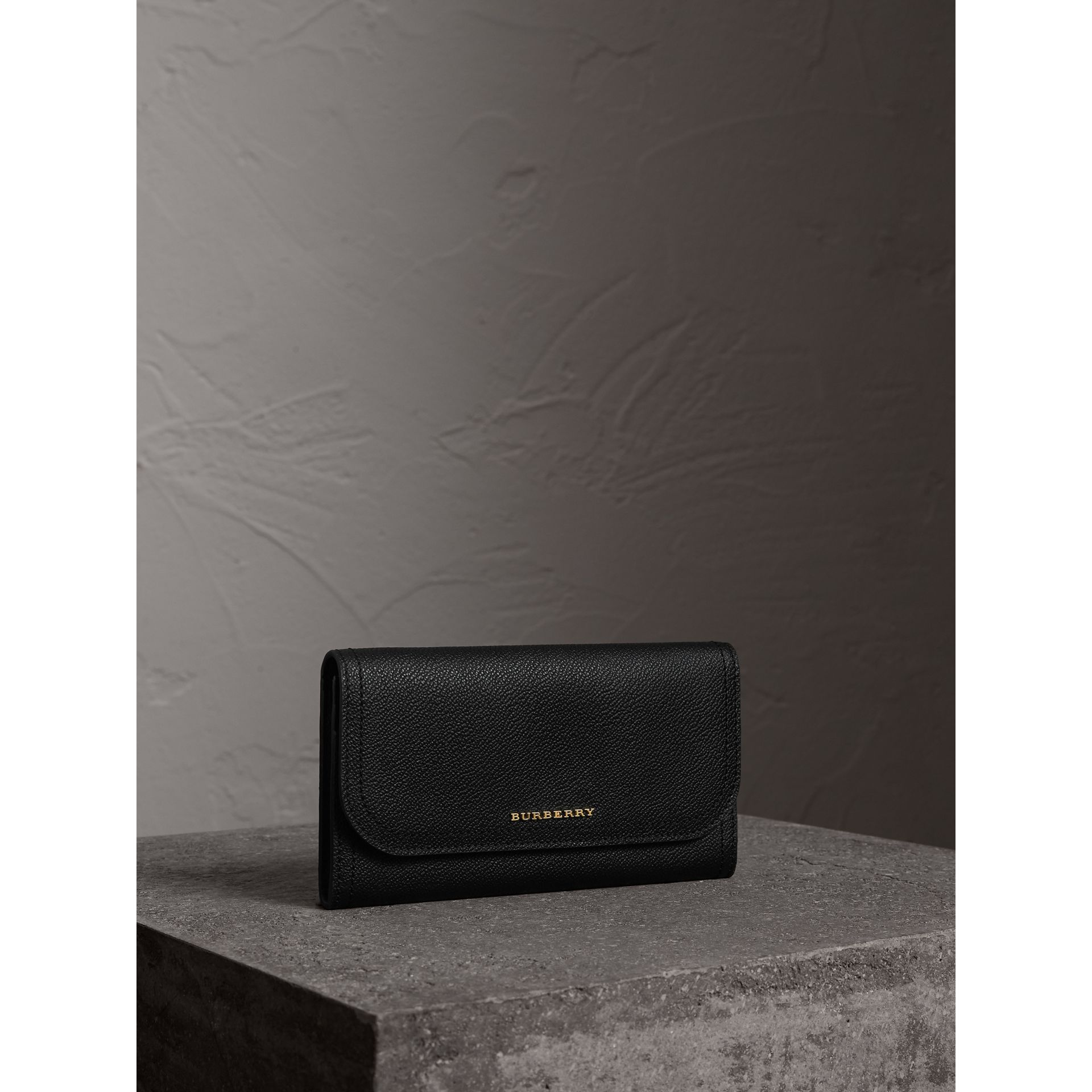 Grainy Leather Slim Continental Wallet in Black - Women | Burberry - gallery image 1