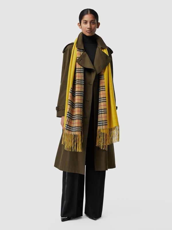 Colour Block Vintage Check Cashmere Scarf in Gorse Yellow | Burberry United Kingdom - cell image 2