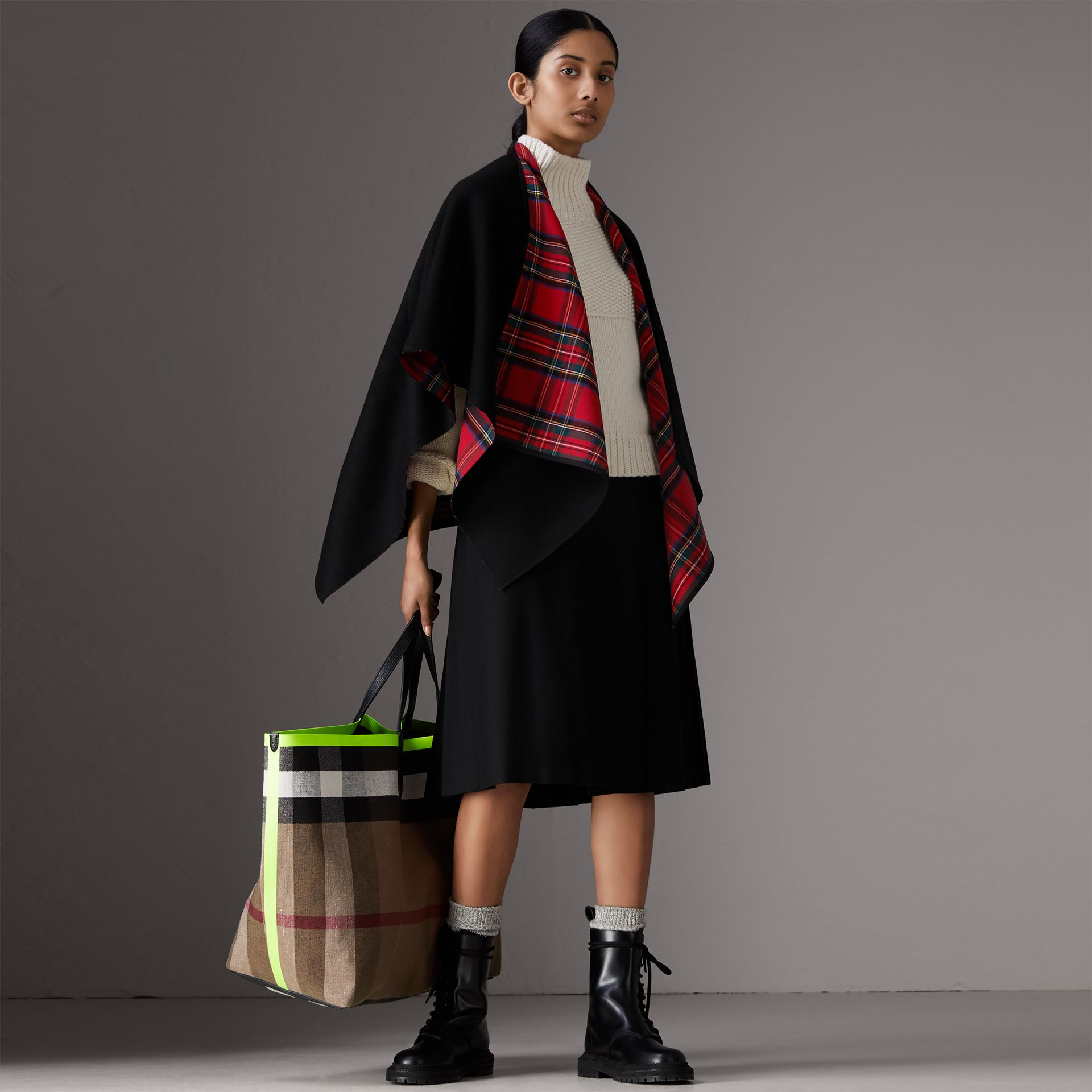 Reversible Cropped Tartan Wool Poncho in Black | Burberry Australia - gallery image 5