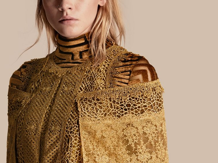 Gold Cape-sleeved Macramé Dress - cell image 4