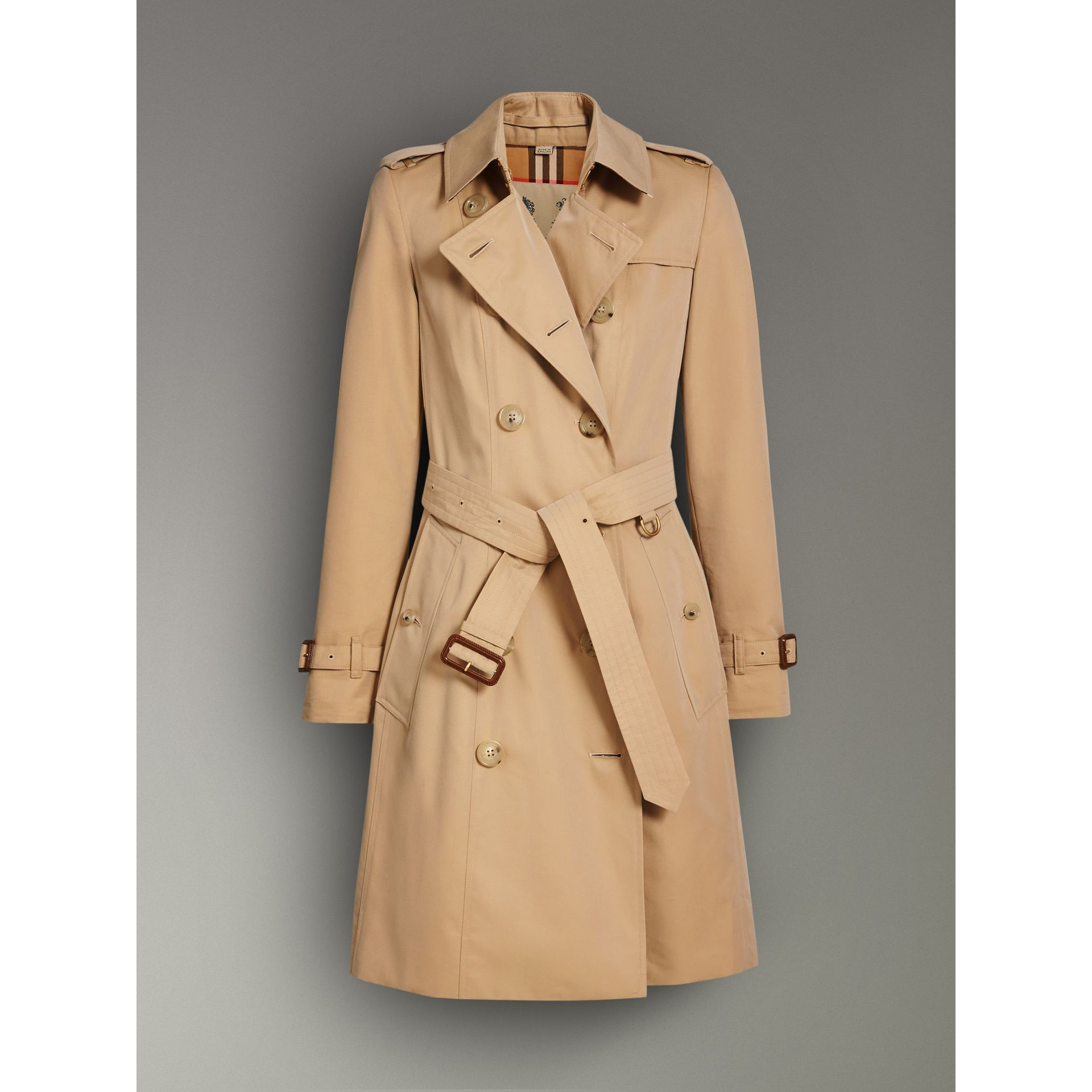The Chelsea Heritage Trench Coat in Honey - Women | Burberry - gallery image 3