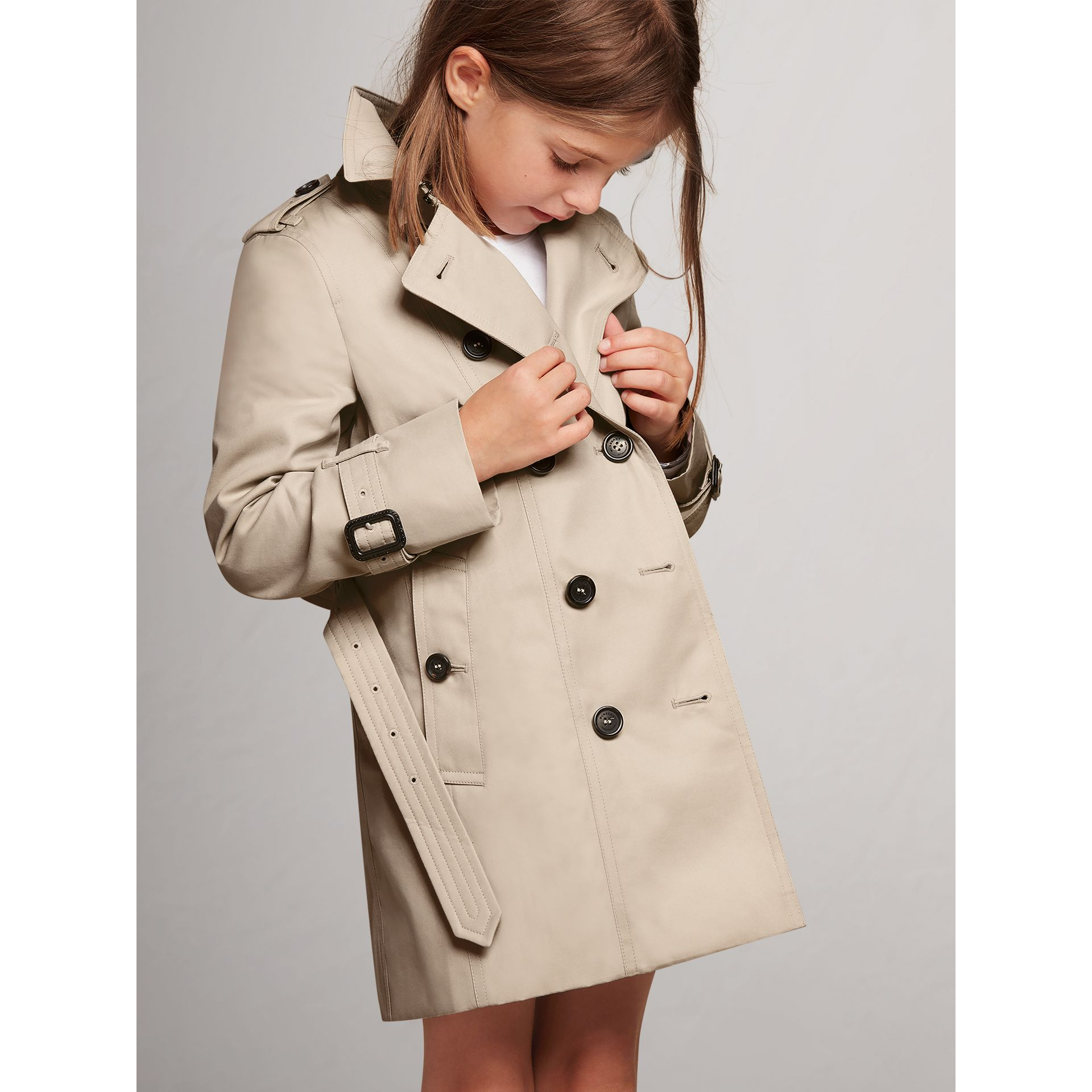 The Sandringham – Heritage Trench Coat in Stone - Girl | Burberry United States - gallery image 1