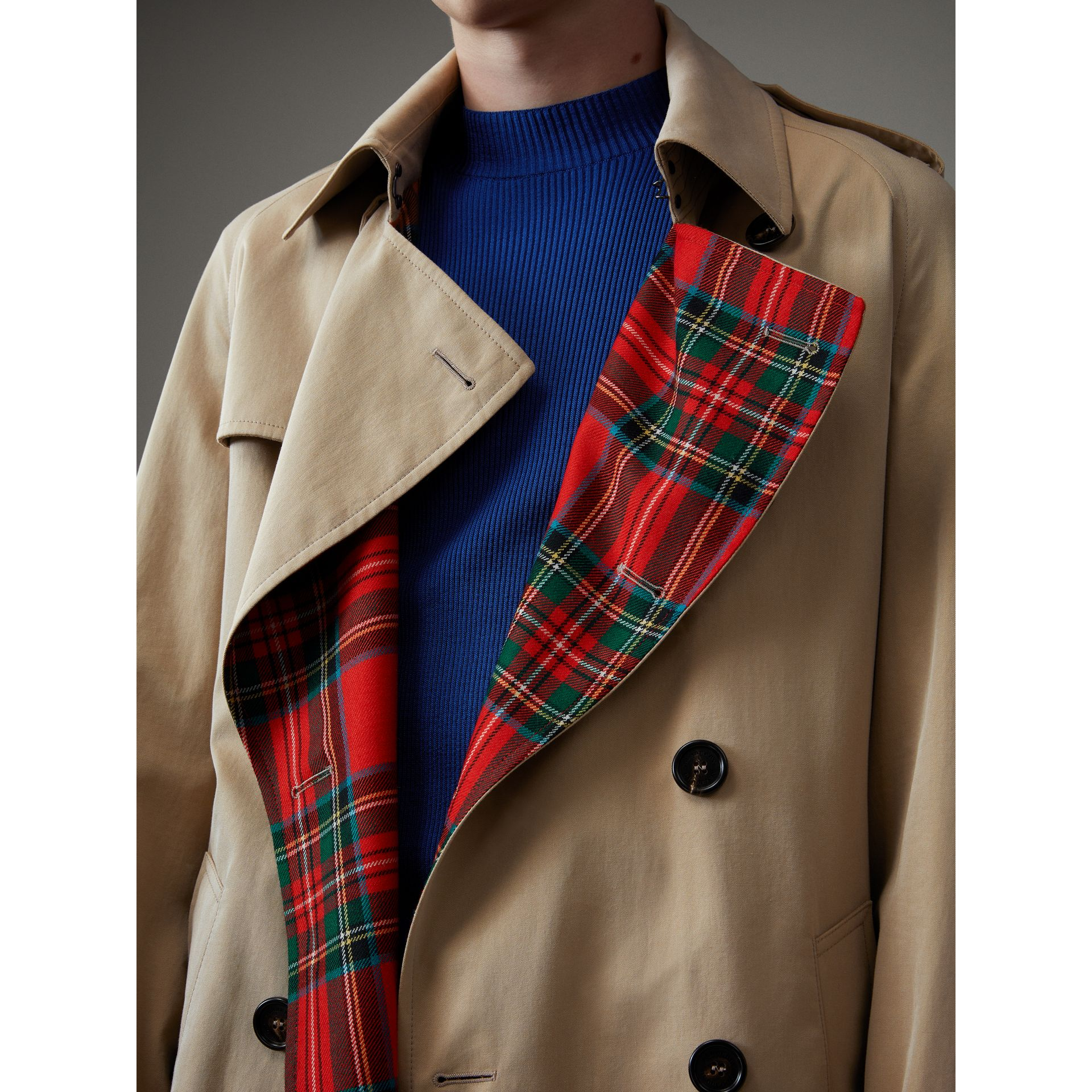 Tartan-lined Cotton Gabardine Trench Coat in Honey - Men | Burberry Singapore - gallery image 2