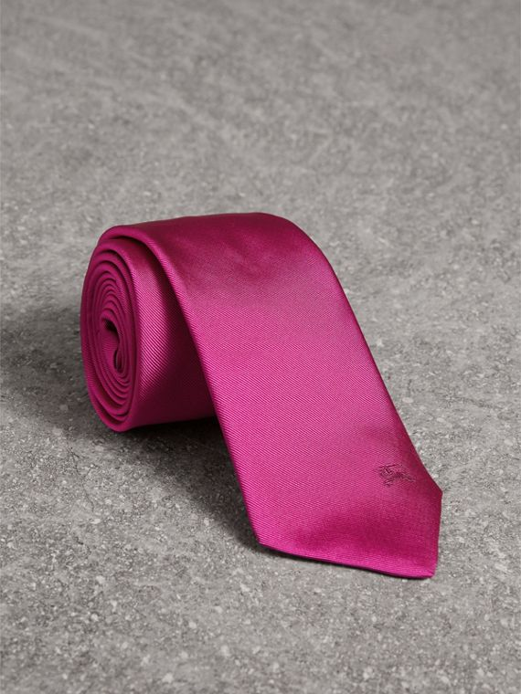 Modern Cut Silk Tie in Bright Rose Pink