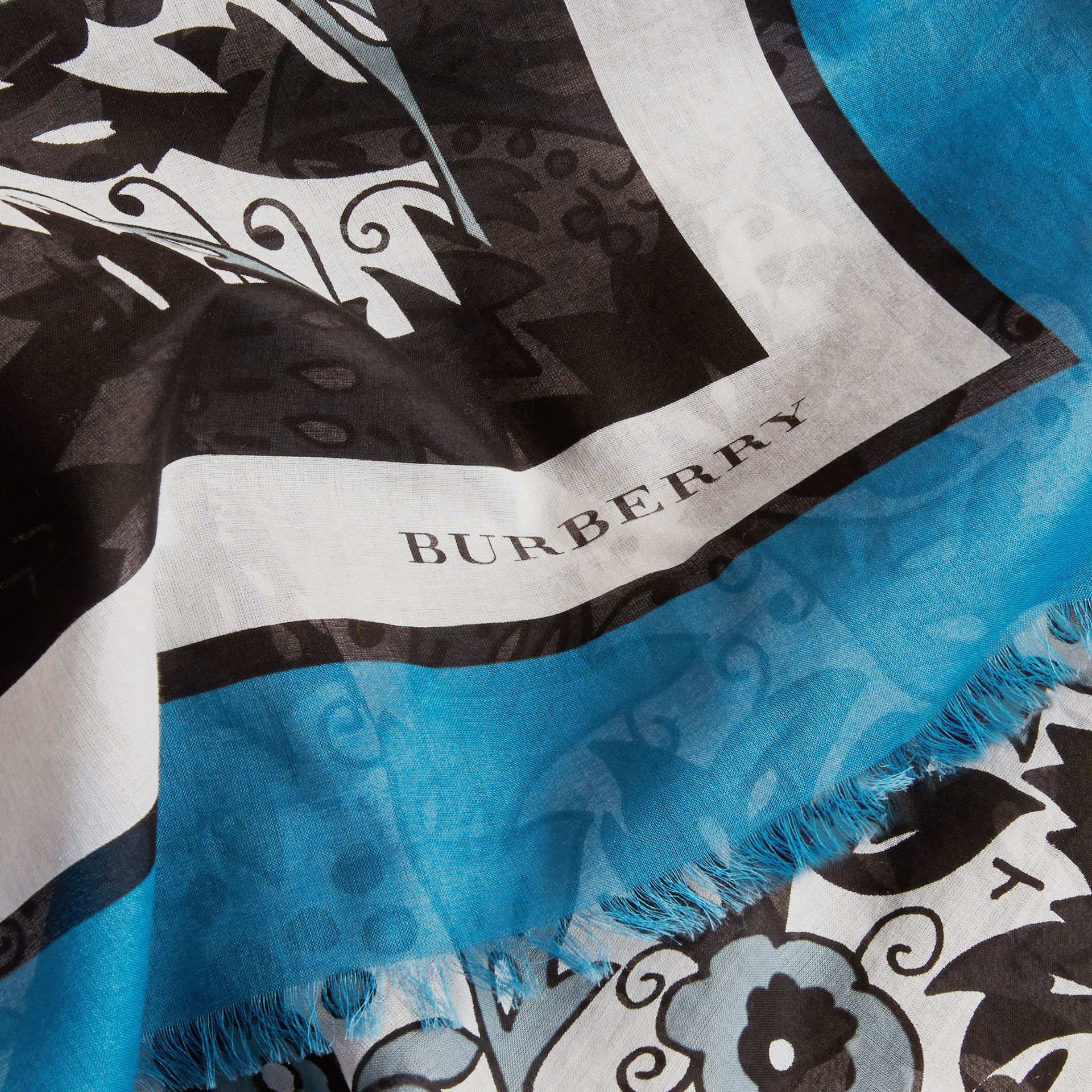 Beasts Print Lightweight Cotton Scarf in Pale Blue Carbon - Women | Burberry - gallery image 2