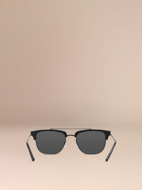 Square Frame Sunglasses in Black - cell image 2