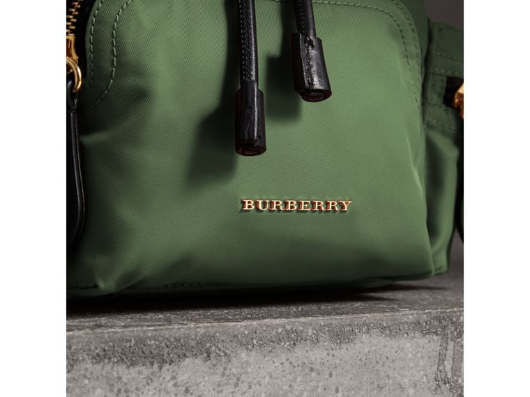 Petit sac The Rucksack à bandoulière en nylon (Vert Racing) - Femme | Burberry - cell image 1
