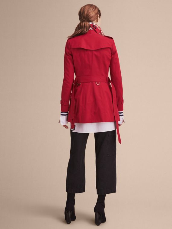 The Chelsea – Short Heritage Trench Coat in Parade Red - cell image 2