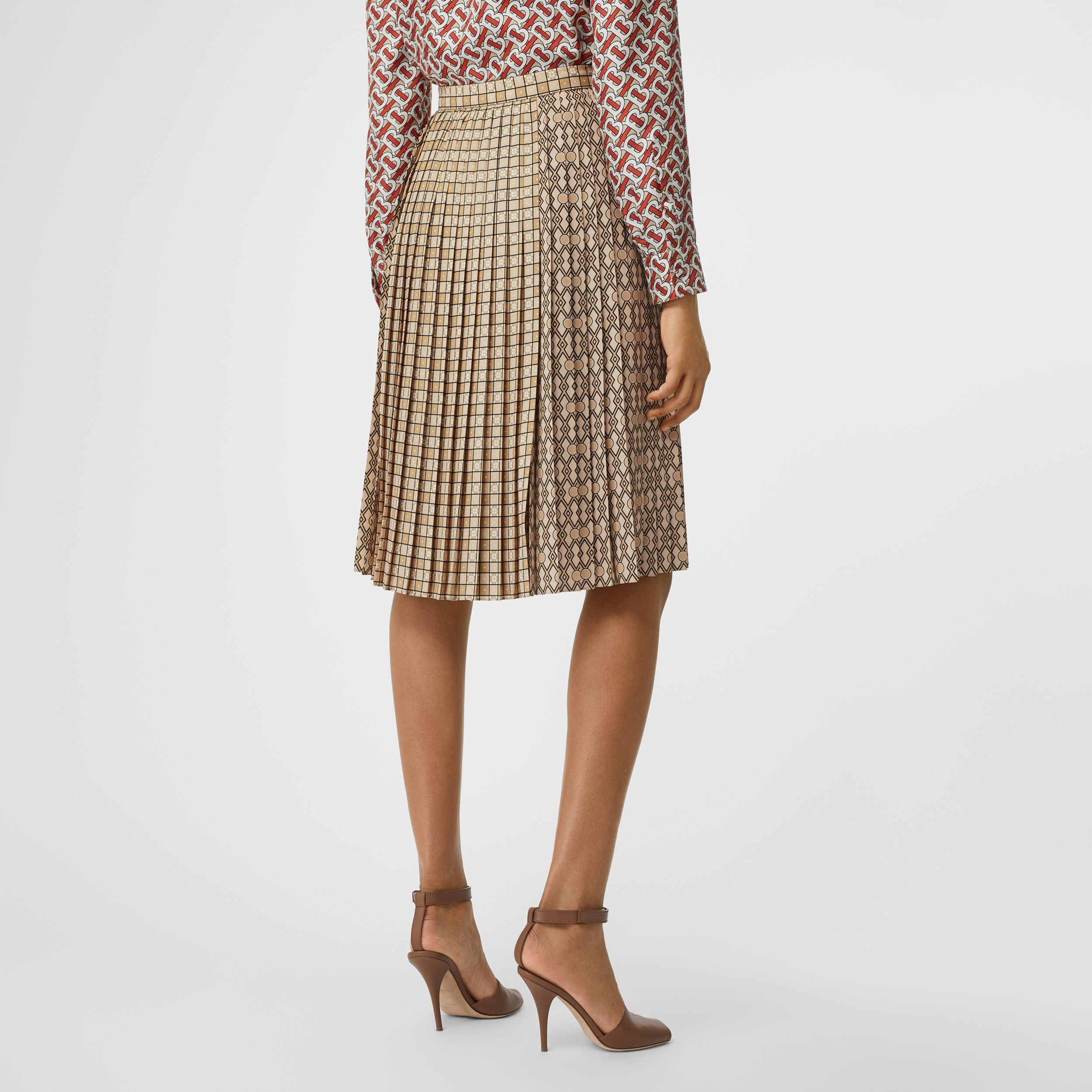 Contrast Graphic Print Pleated Skirt in Latte | Burberry Singapore - 3
