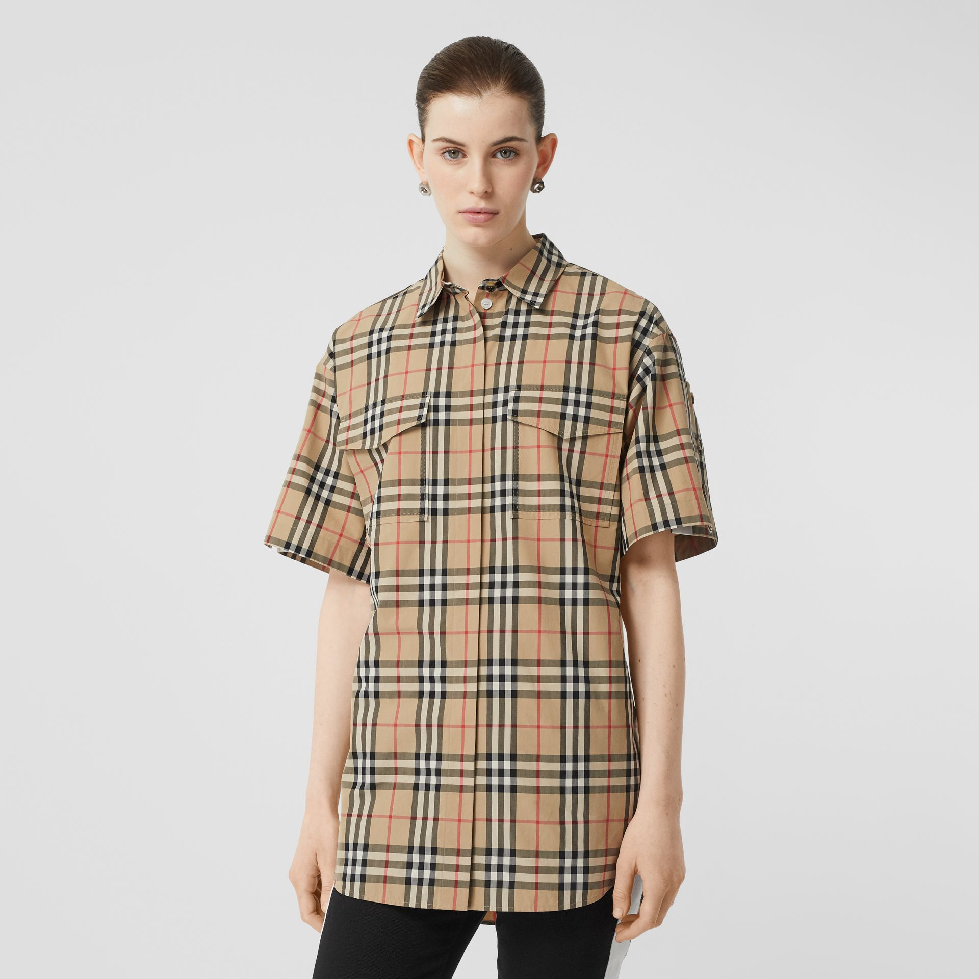 Short-sleeve Vintage Check Cotton Oversized Shirt in Archive Beige - Women | Burberry - gallery image 4