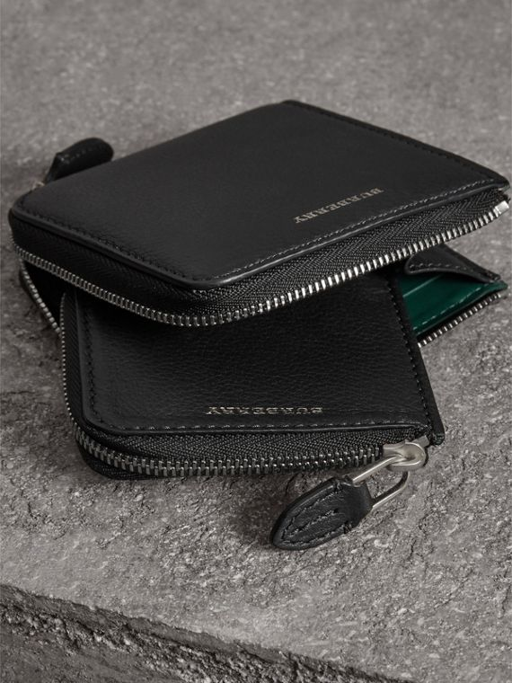 Grainy Leather Square Ziparound Wallet in Black - Women | Burberry - cell image 3