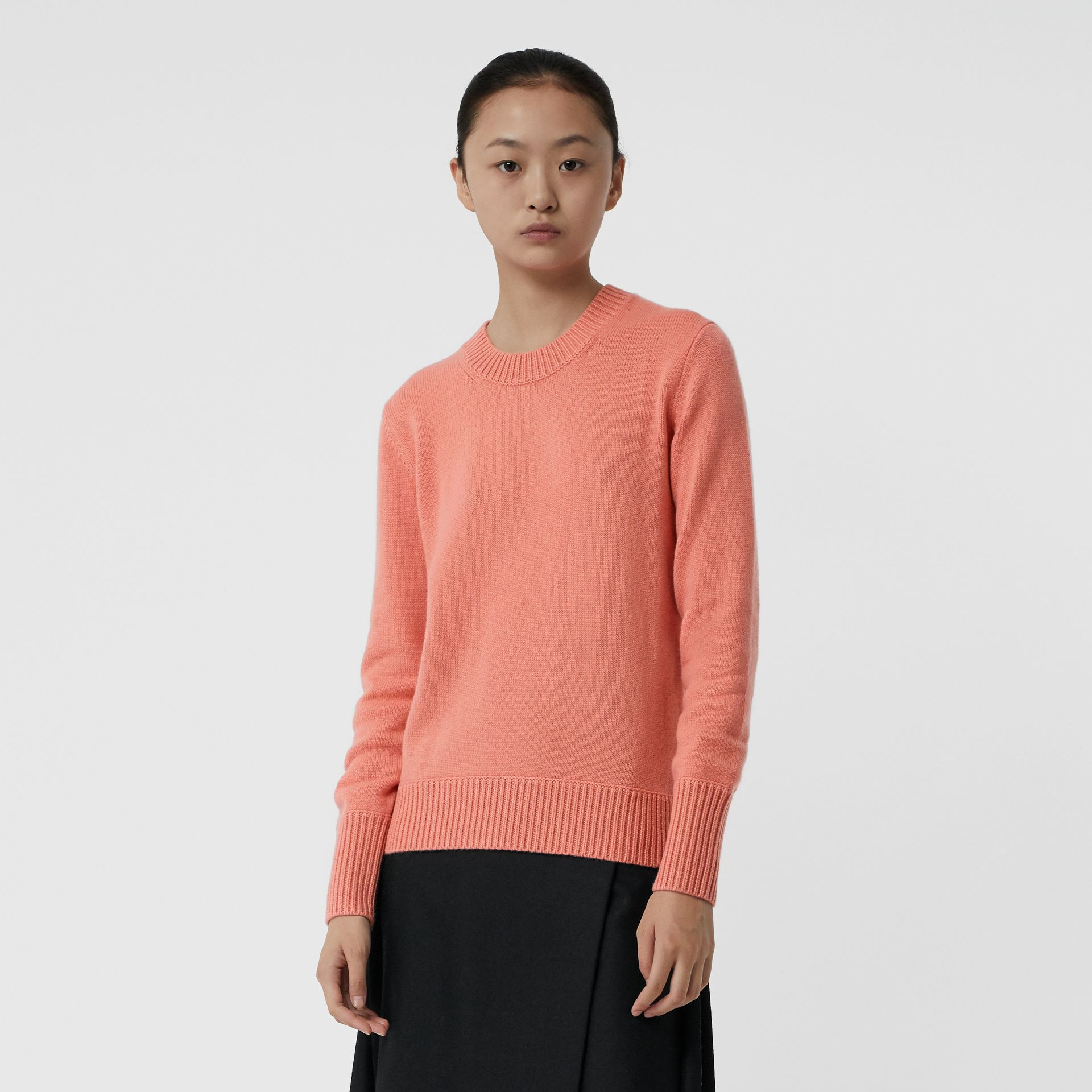 Archive Logo Appliqué Cashmere Sweater in Bright Coral Pink - Women | Burberry United Kingdom - gallery image 4