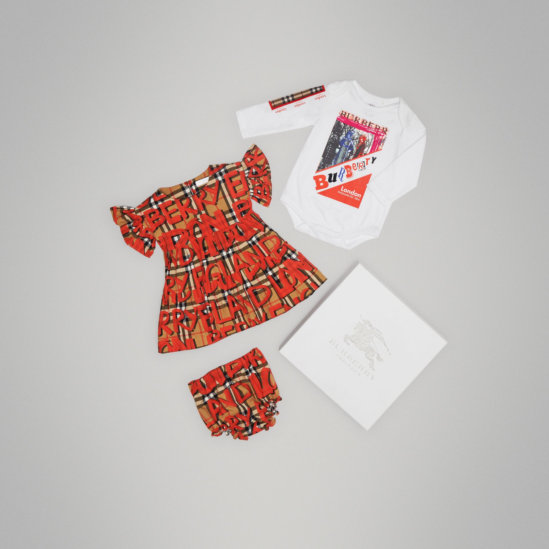Cotton Three-piece Baby Gift Set in Bright Red | Burberry - gallery image 0