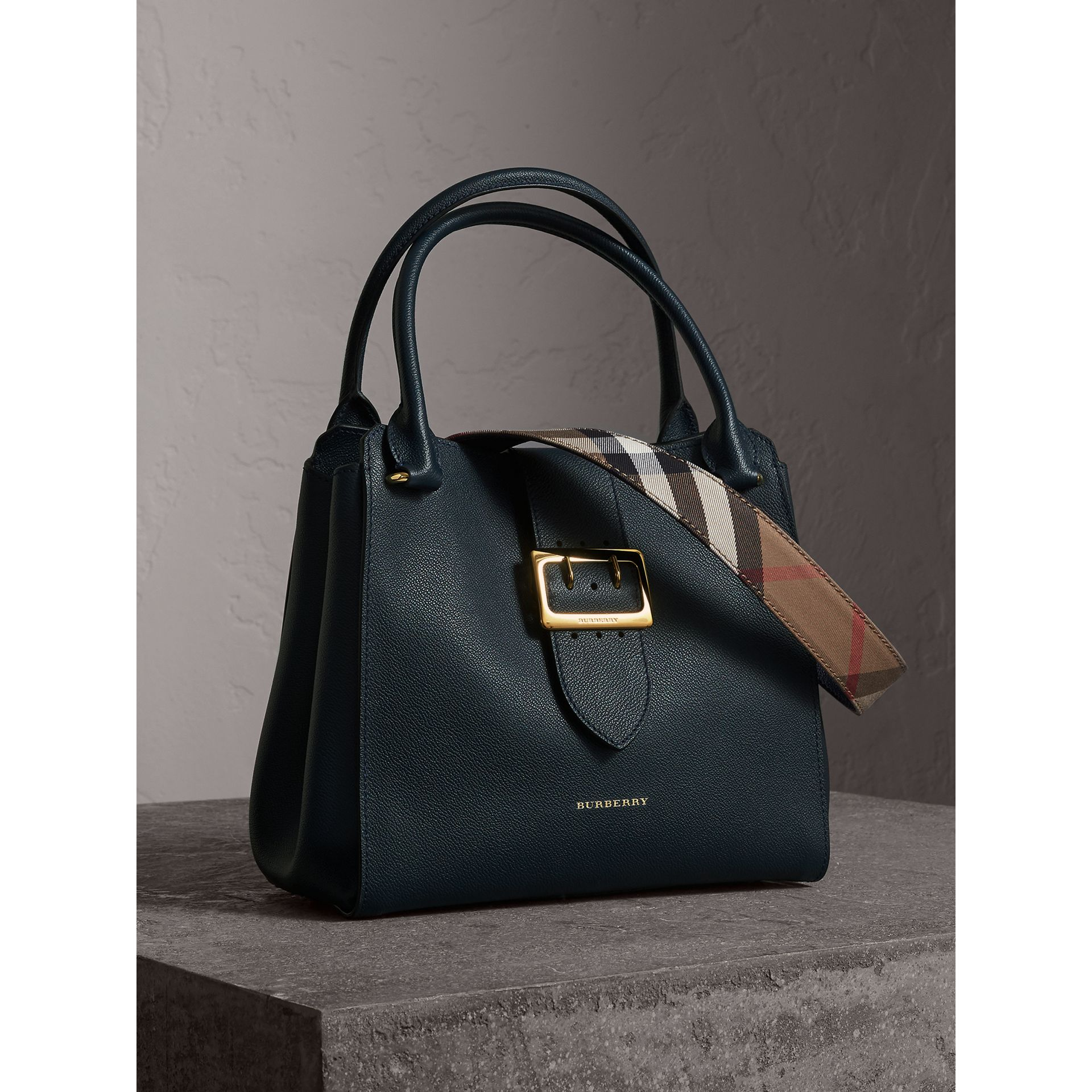 The Medium Buckle Tote in Grainy Leather in Blue Carbon - Women | Burberry United Kingdom - gallery image 7