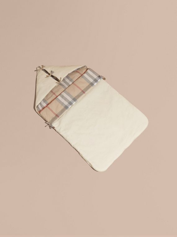 Check-Lined Baby Nest in Off White - Girl | Burberry