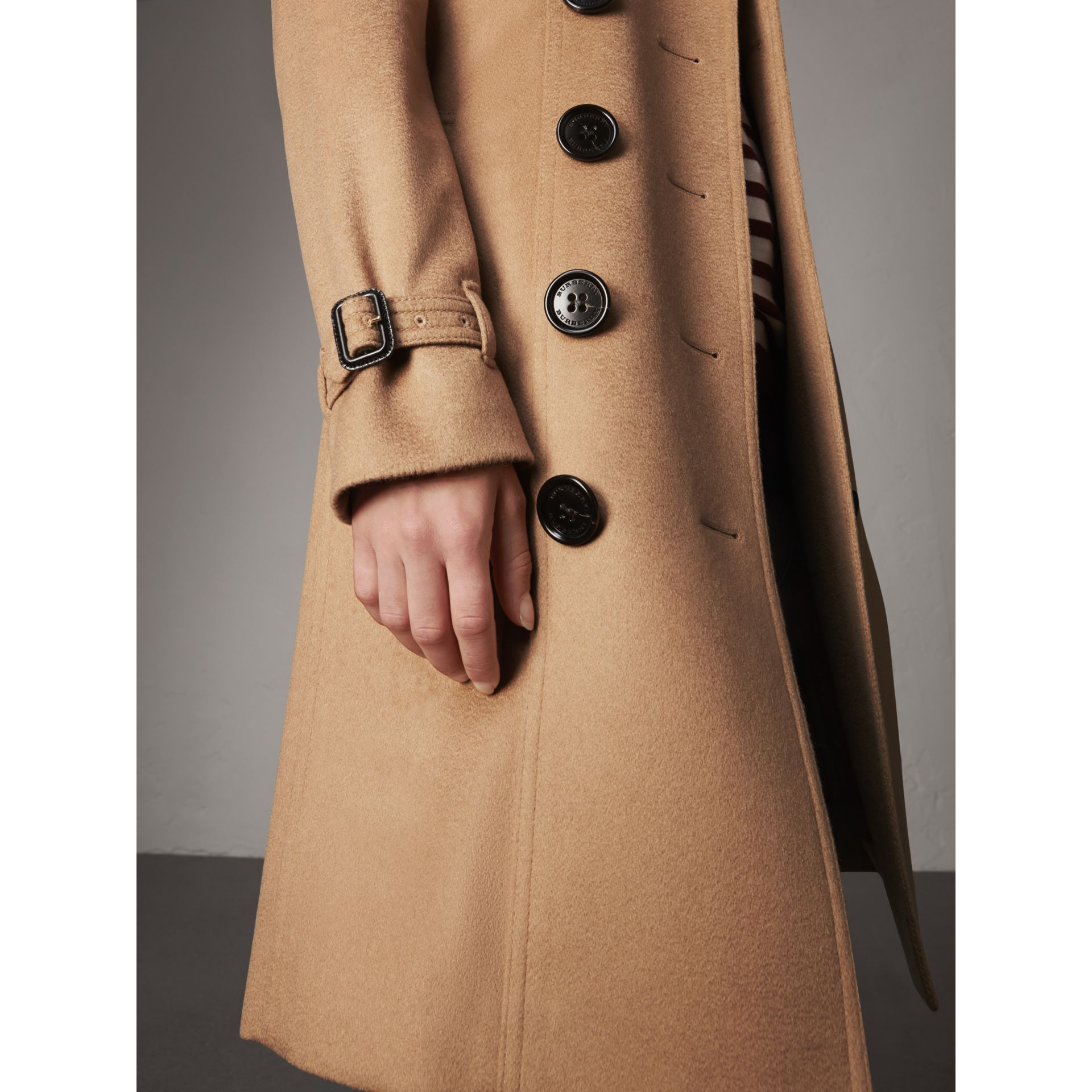 Sandringham Fit Cashmere Trench Coat in Camel - Women | Burberry - gallery image 4