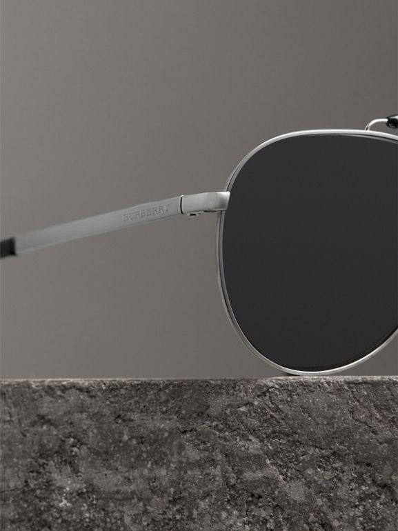 Top Bar Detail Pilot Sunglasses in Black - Men | Burberry Australia - cell image 1
