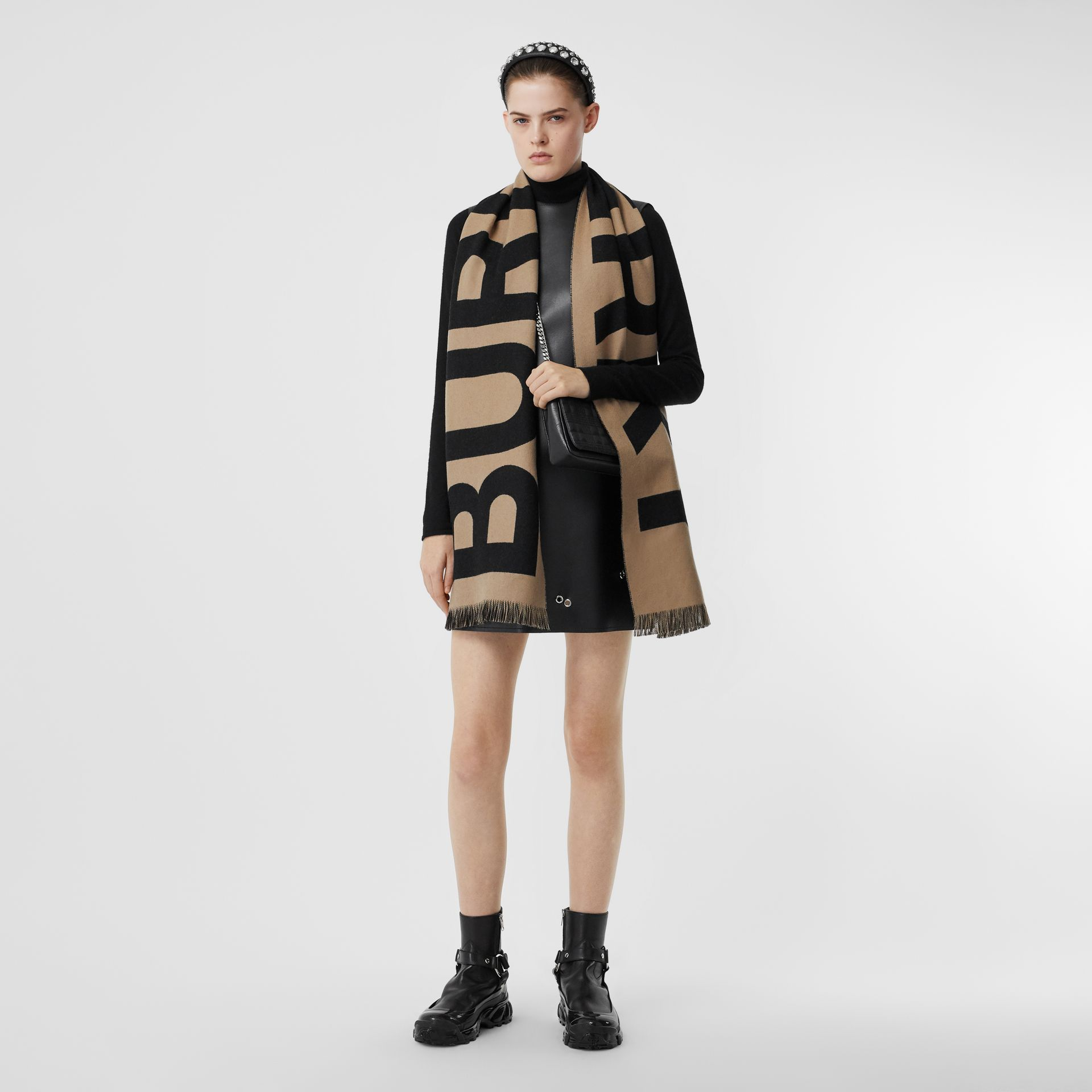 Logo Wool Jacquard Scarf in Archive Beige | Burberry - gallery image 5