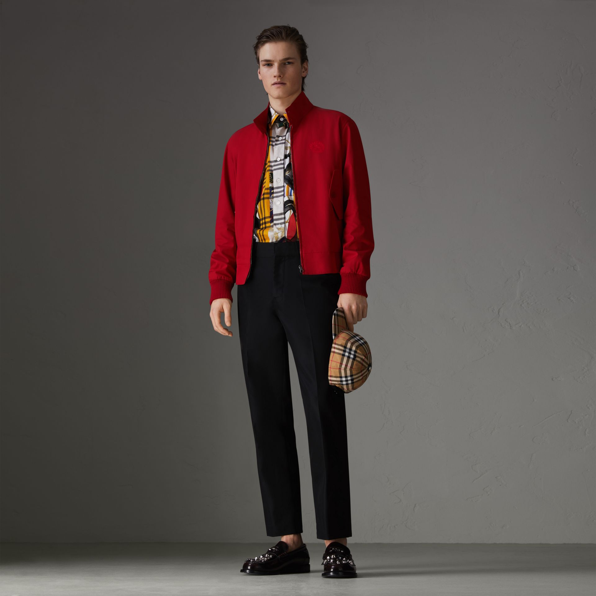 Veste Harrington de coupe slim en gabardine tropicale (Rouge Vif) - Homme | Burberry Canada - photo de la galerie 0