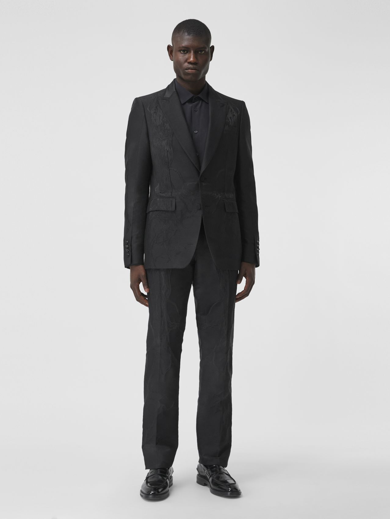 Classic Fit Wool Silk Blend Jacquard Tailored Trousers in Black