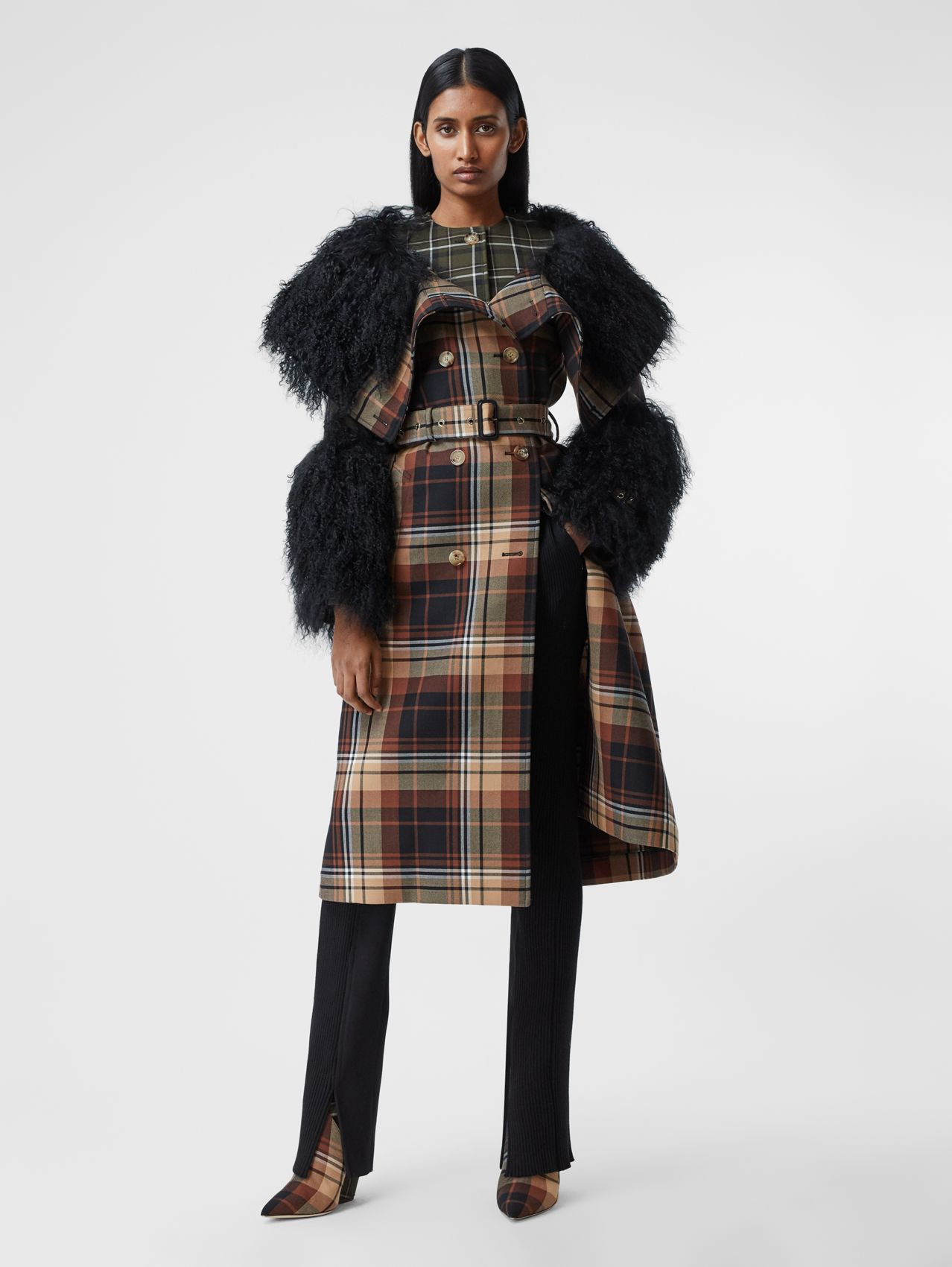 Shearling Trim Contrast Check Wool Trench Coat in Black/orange