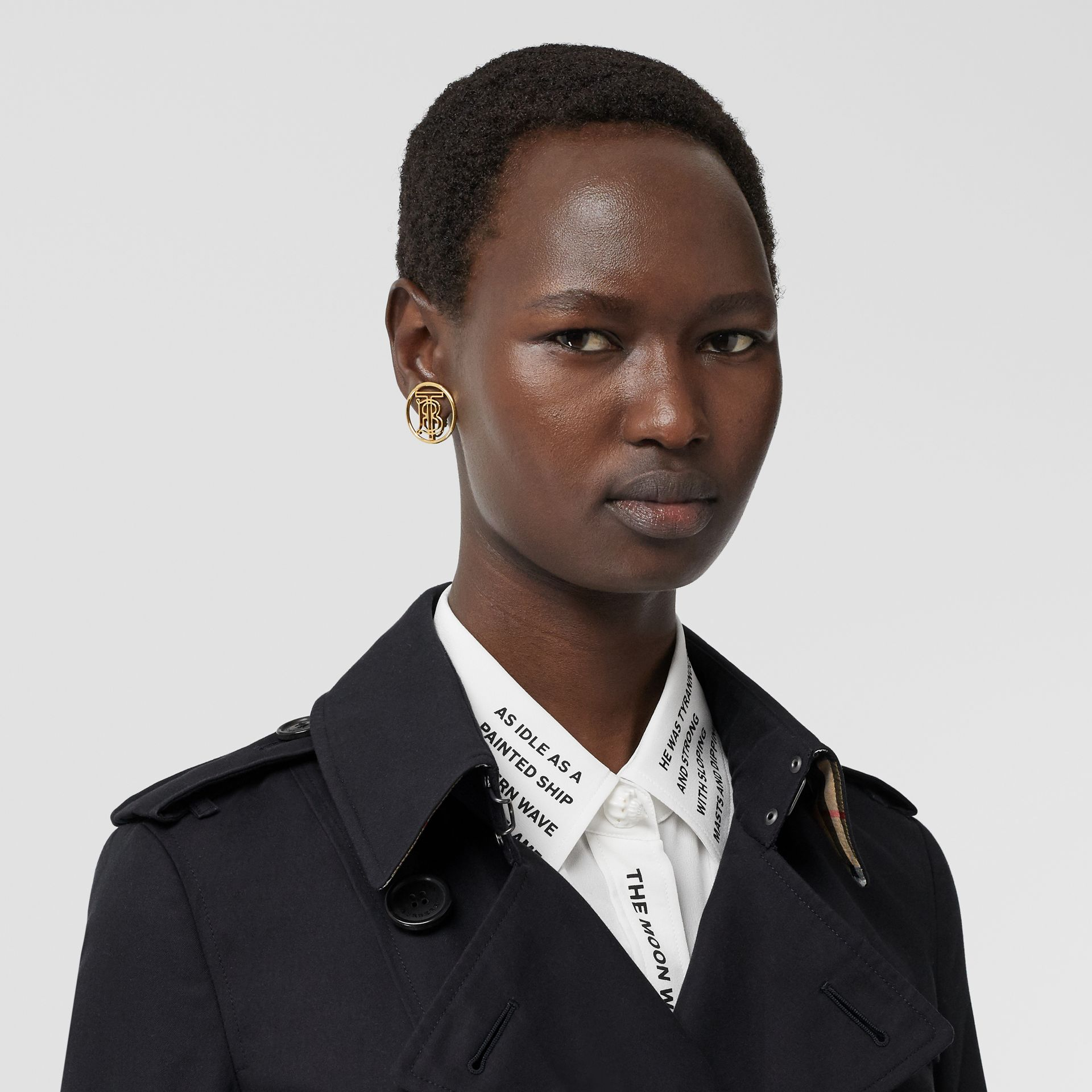 The Chelsea Heritage Trench Coat in Midnight - Women | Burberry United States - gallery image 10