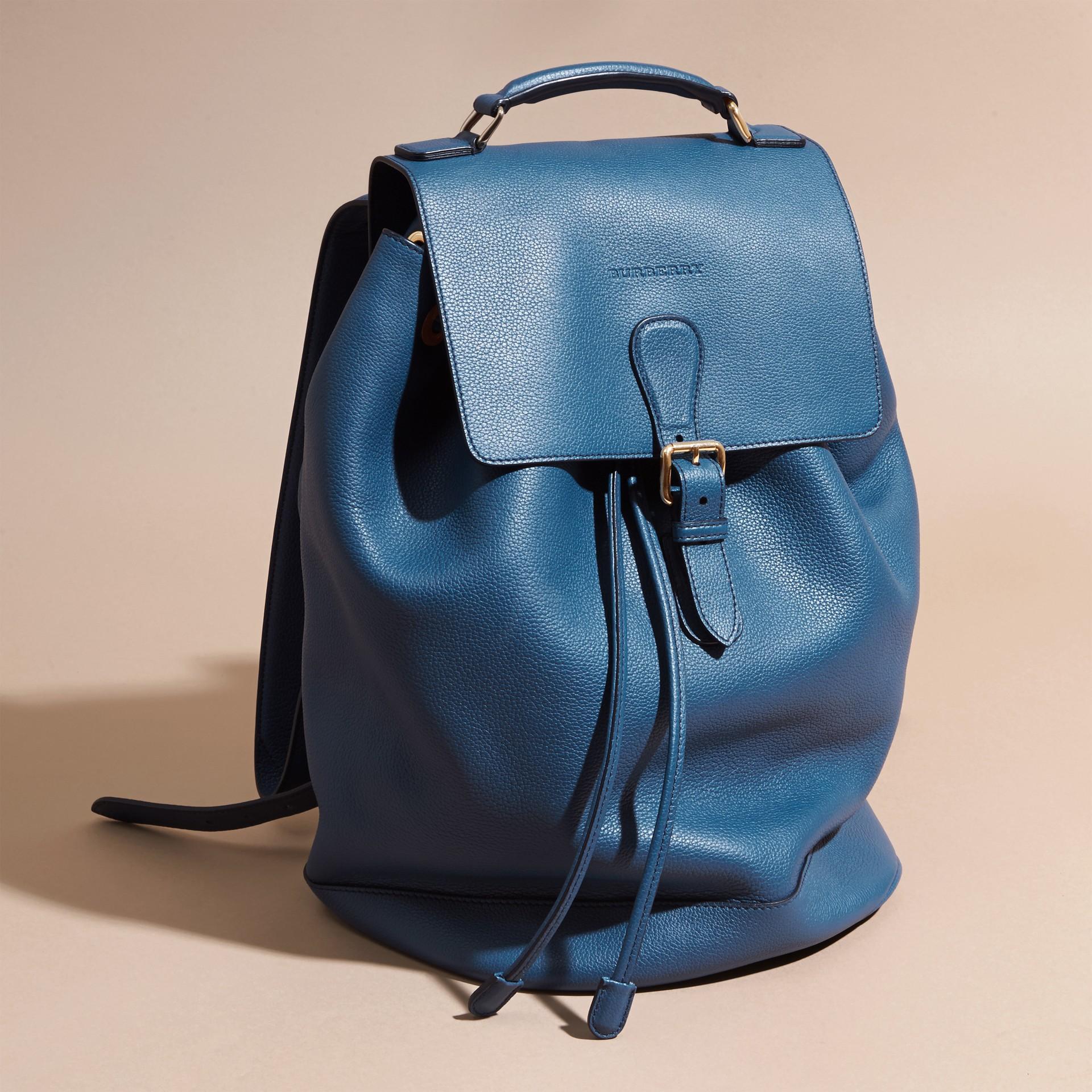Mineralblau Rucksack aus genarbtem Leder Mineralblau - Galerie-Bild 8