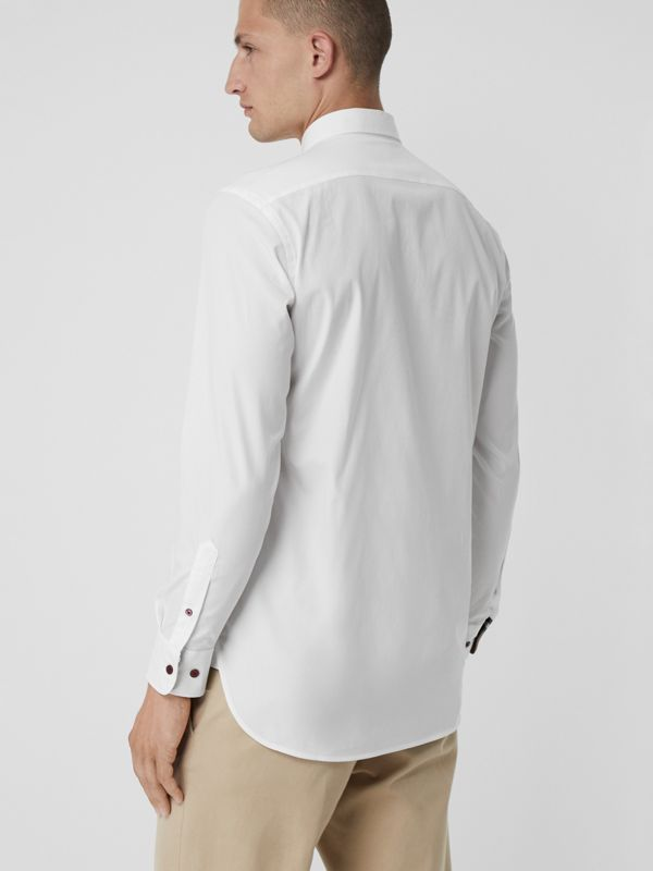 Camicia in cotone stretch con bottoni a contrasto (Bianco) - Uomo | Burberry - cell image 2