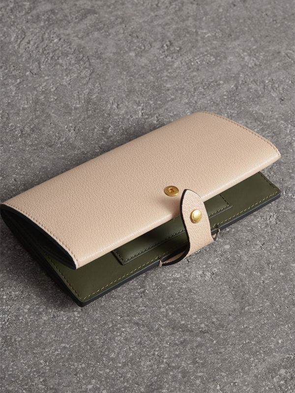 Equestrian Shield Two-tone Leather Continental Wallet in Stone - Women | Burberry - cell image 3
