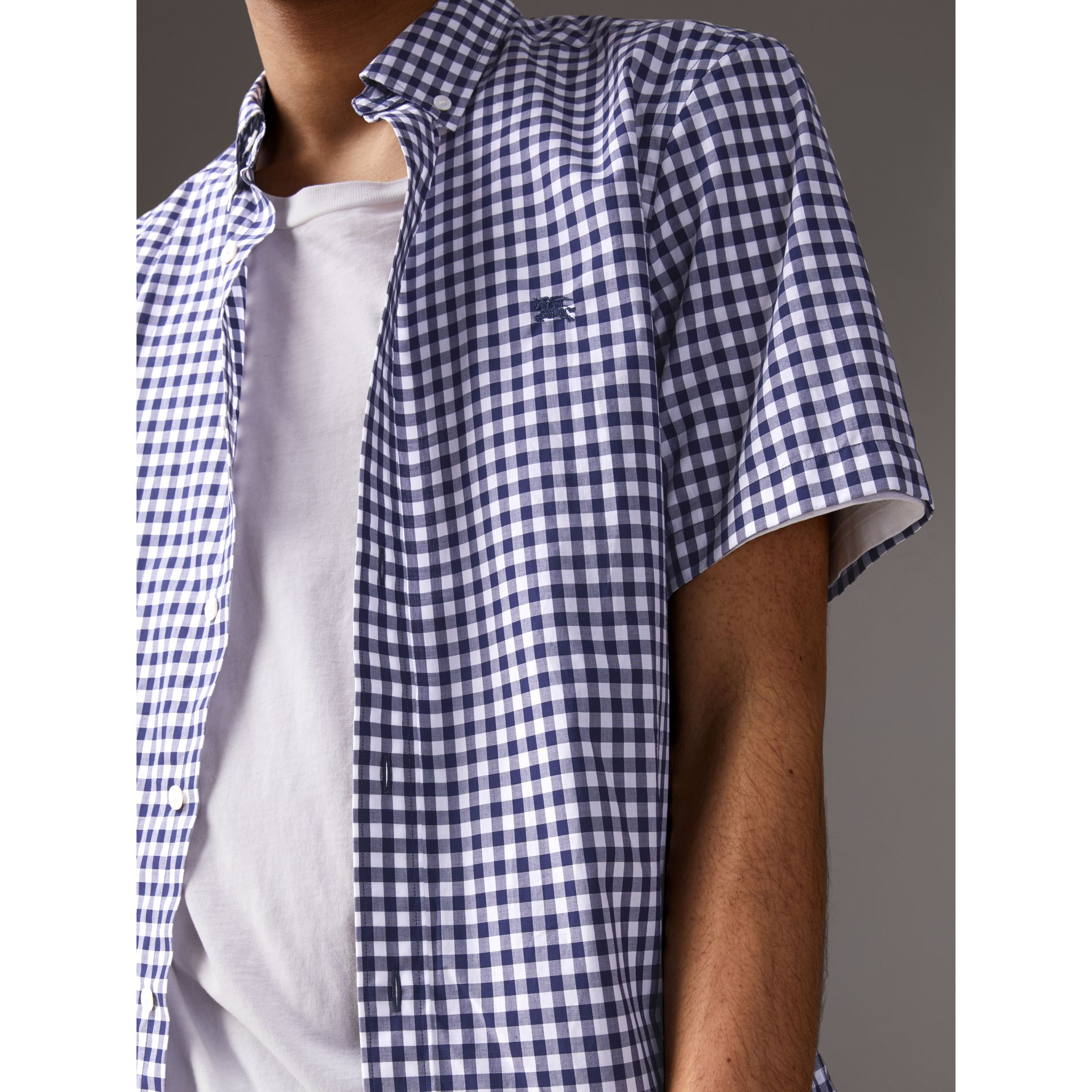 Short-sleeve Button-down Collar Cotton Gingham Shirt in Navy - Men | Burberry United States - gallery image 2