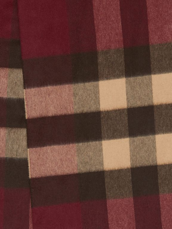 Check Cashmere Scarf in Burgundy | Burberry United Kingdom - cell image 1