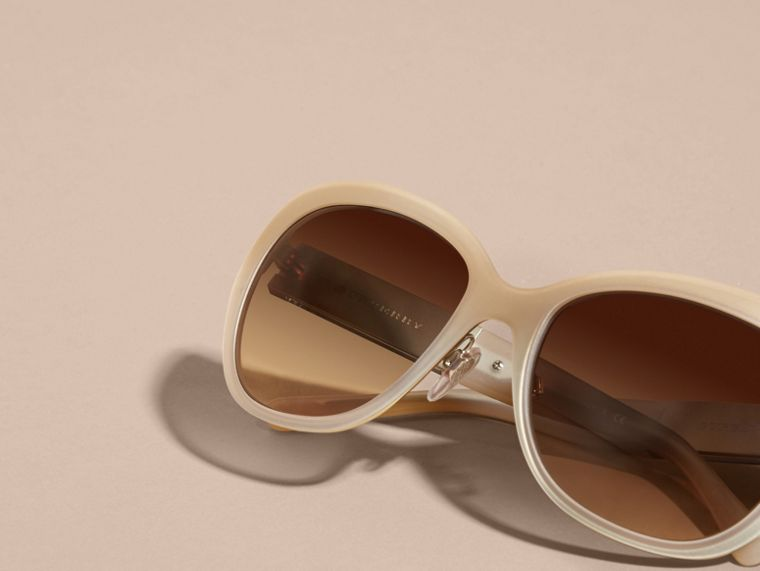 Check Detail Square Cat-eye Sunglasses in Chino Grey - cell image 4