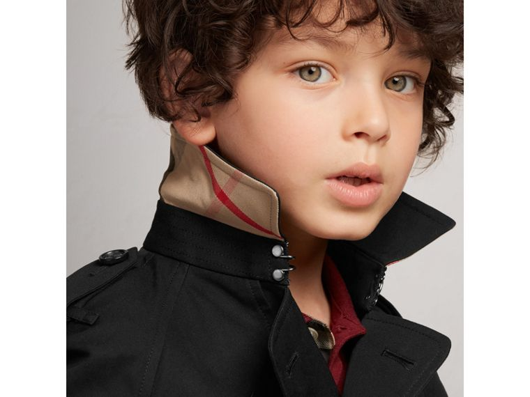 The Wiltshire – Heritage Trench Coat in Black - Boy | Burberry Canada - cell image 1