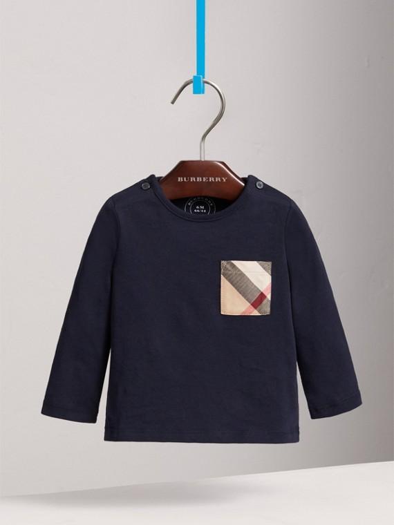 Blusa de algodão com bolso xadrez e mangas longas (Azul Marinho Verdadeiro)