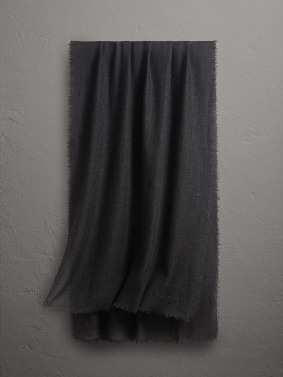 The Lightweight Cashmere Scarf in Charcoal