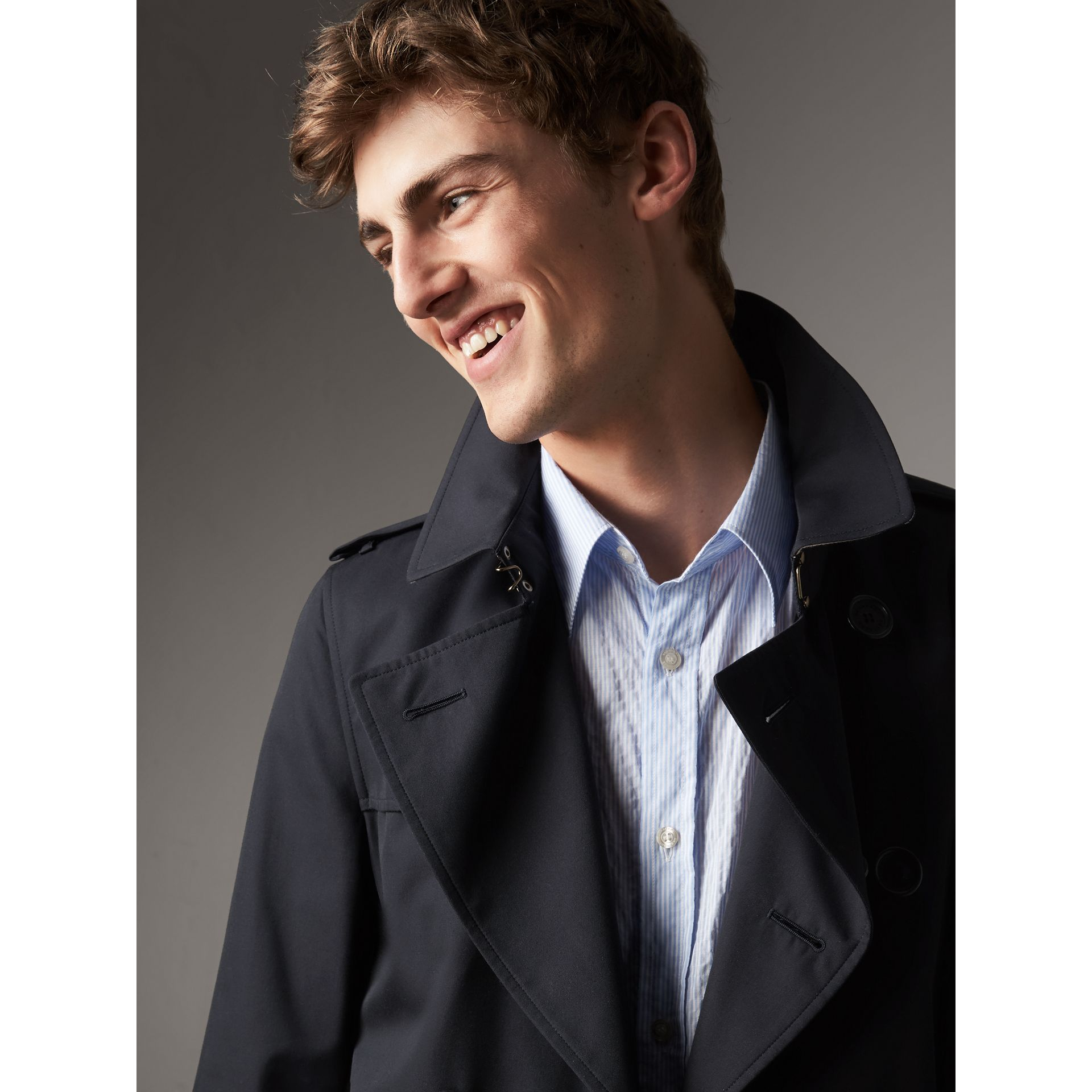 The Sandringham – Mid-length Heritage Trench Coat in Navy - Men | Burberry - gallery image 6