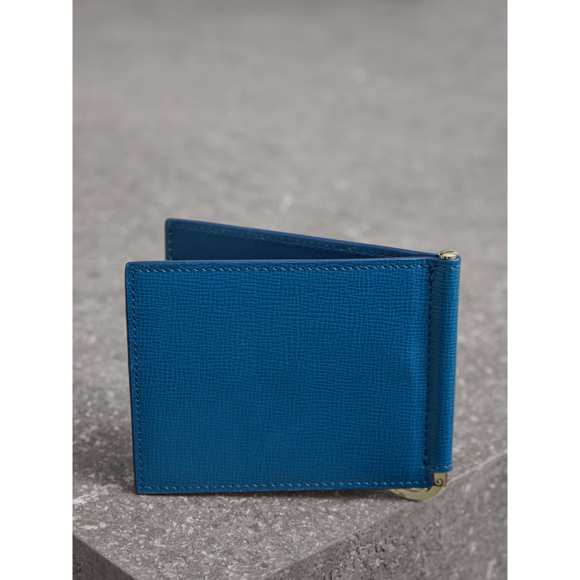 London Leather Money Clip Card Wallet in Deep Blue - Men | Burberry United Kingdom - gallery image 3