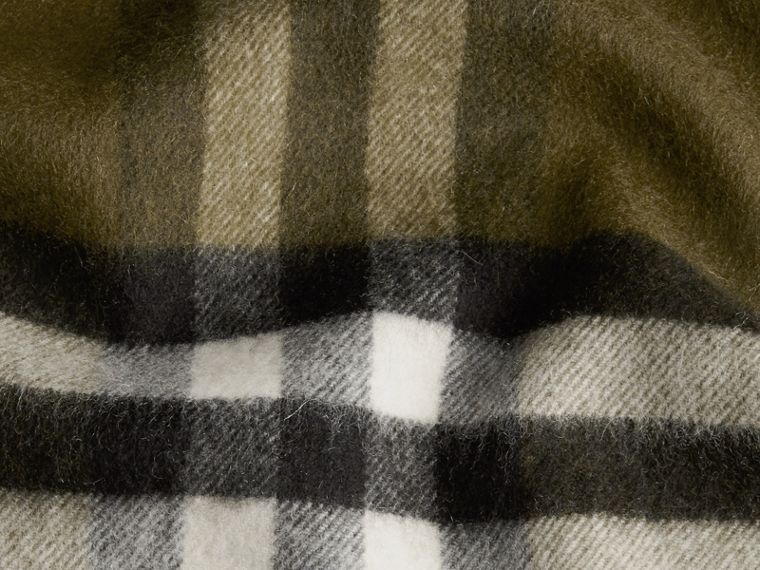 Olive green The Classic Cashmere Scarf in Check Olive Green - cell image 4